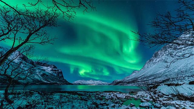 aurora.borealis.tromso.norway.copyright.harald.albrigtsen